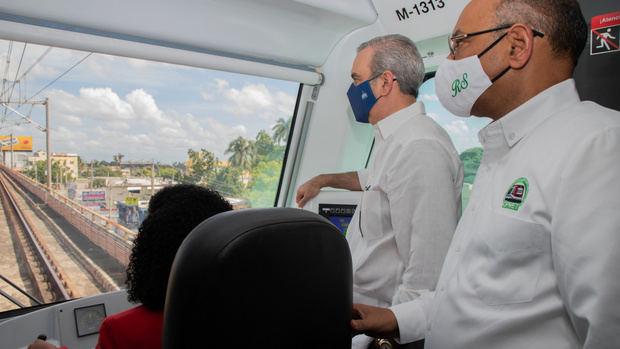 Abinader anuncia un plan de transporte masivo en la capital y en Santiago
