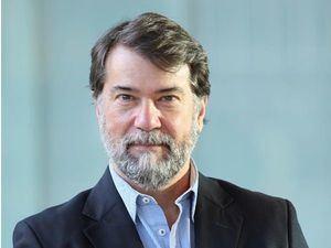 El doctor Pedro Alonso Fernández, en una imagen facilitada por él mismo, quien lidera el combate de la malaria desde la Organización Mundial de la Salud, OMS.