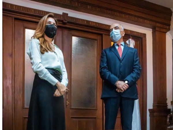 Carolina Mejía junto Embajador de la Unión Europea en la República Dominicana, Gianluca Grippa.