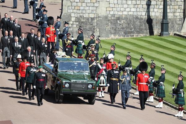 Un funeral íntimo y militar para despedir a Felipe de Edimburgo.