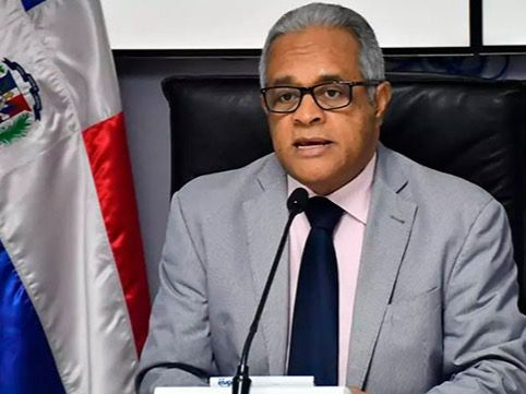 Ministro pide evitar aglomeraciones porque el COVID-19
