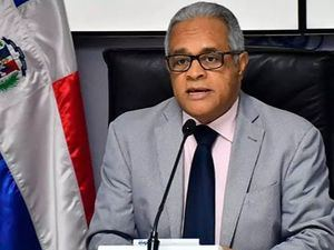 Ministro de Salud Pública, Rafael Sánchez Cárdenas, llamó este lunes a evitar las aglomeraciones.