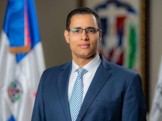 Ministro de Economía, Planificación y Desarrollo, Juan Ariel Jiménez.
