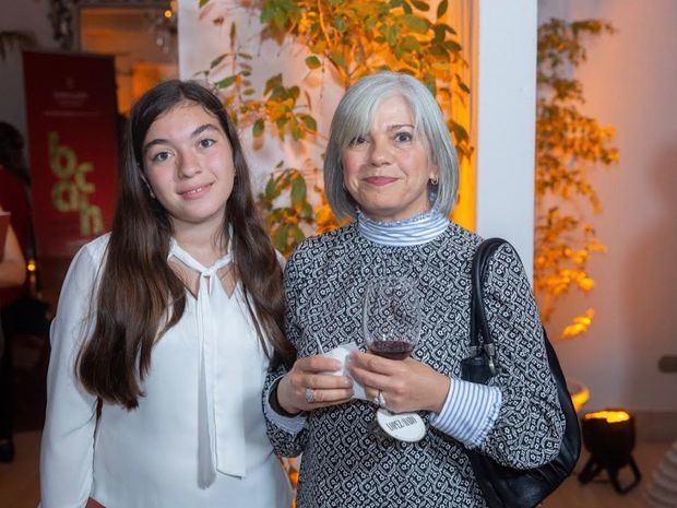 Sarah Selman y Maribel Ramia de Selman.