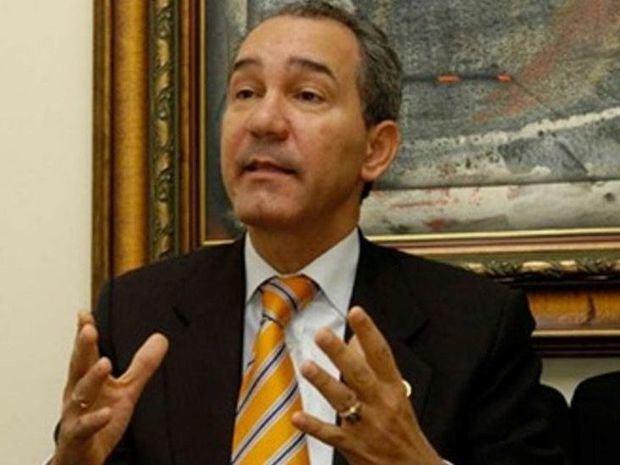 Franklin García Fermín asegura que Luis Abinader se mantiene activo trabajando y en contacto con la dirigencia del PRM.