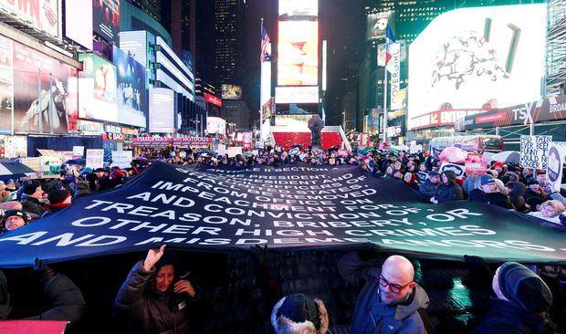 Miles de personas desfilan en Nueva York.