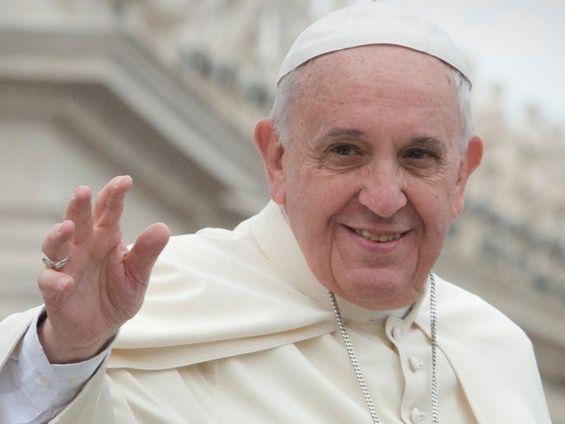 El papa Francisco dona dos respiradores a Ecuador para ayudar en la pandemia