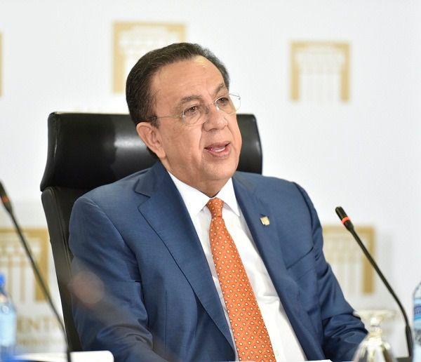 Gobernador del Banco Central, Héctor Valdez Albizu