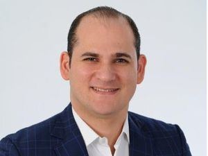 Vicepresidente del Partido Revolucionario Moderno (PRM) y supervisor general de campaña para el Distrito Nacional de la candidatura presidencial de Luis Abinader, Adolfo Pérez de León.