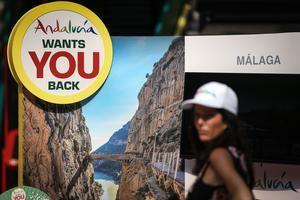 'Andalucia wants you back' es el nombre de la campaña que la Junta de Andalucía, vez que comienzan a disminuir las restricciones de movilidad entre países, y que recorrerá ocho ciudades europeas.