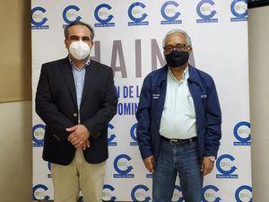 Celso Juan Marranzini, presidente de la AIRD y el Ministro de Salud, Dr. Rafael Sánchez Cárdenas.