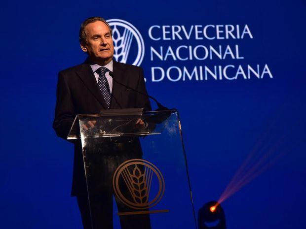 Cervecería anuncia Franklin León culmina su cargo en la presidencia de esa empresa