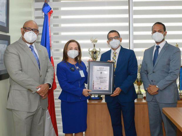Banreservas recibe certificación en Gestión de Calidad ISO 9001-2015