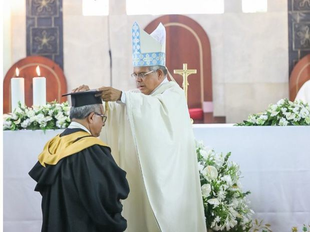 Juramentan a Monseñor Ramón Benito Ángeles Fernández como nuevo Rector de la UCSD
