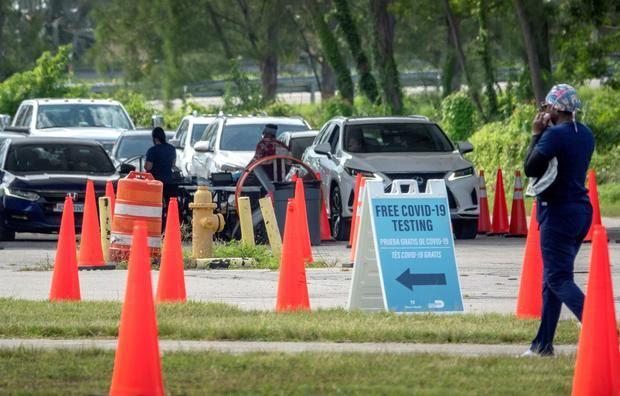 Florida rompe de nuevo récords de casos y hospitalizaciones