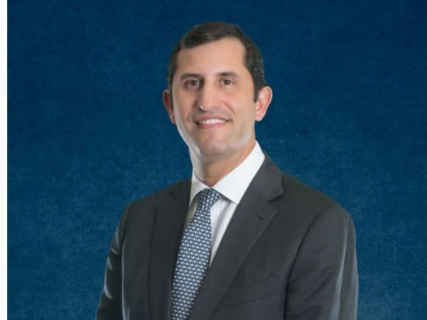 Roberto Herrera favorece alianzas público privadas para enfrentar problemas de distribución y transmisión