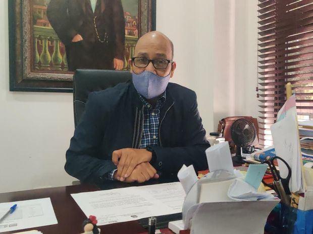 Director de Gabinete Ministerial, Henry Santos.