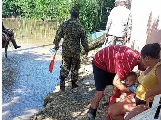 Armada de RD realiza operaciones de búsqueda y rescate en las zonas afectadas