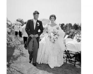 Jacky Kennedy junto a Jonh F. Kennedy el día de su boda.
