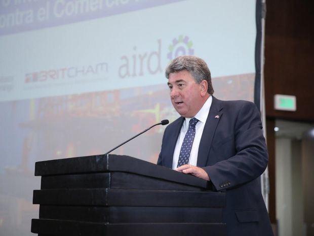 Britcham reconoce gestión del embajador Chris Campbell