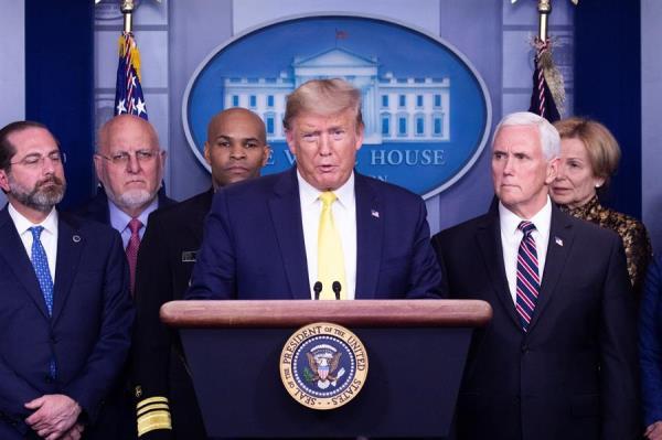Trump no aclara si se ha hecho la prueba del coronavirus y anuncia medidas económicas