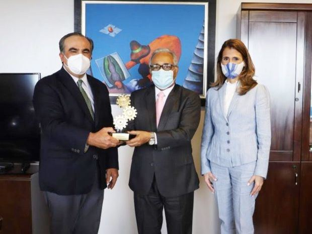 AIRD reconoce Ministro de Salud Pública
