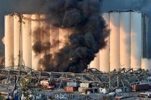 Líbano declara un día de luto tras la gran explosión en el puerto de Beirut.