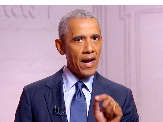 Un framegrab de la transmisión en vivo del Comité de la Convención Nacional Demócrata que muestra al expresidente estadounidense Barack Obama.