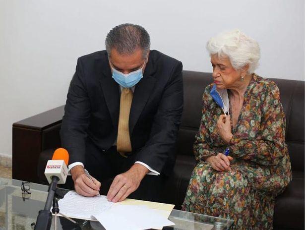 Neney Cabrera ratifica su compromiso con la ética, eficiencia y transparencia