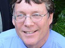 Mark Chernaik, científico de planta de la Alianza Mundial de Derecho Ambiental, ELAW.
