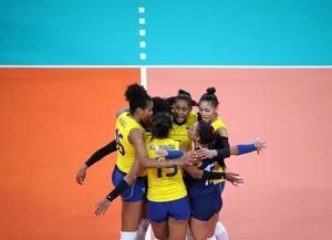 Jugadoras de la selección femenina de voleibol de Colombia.