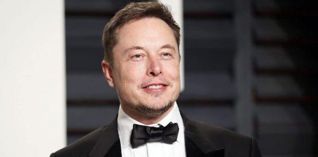 Con menos de 50 años, Elon Musk  se encuentra entre los hombres más poderosos del mundo segun Forbes.