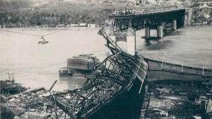 Fotografía cedida por el Archivo General de la Nación de los daños que dejó el huracán San Zenón.