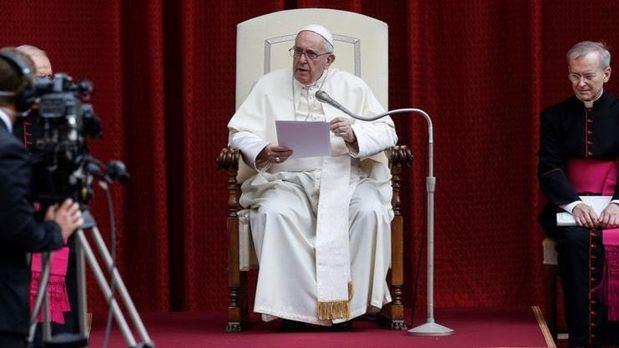 El papa insta a Europa a que sea solidaria contra el virus del egoísmo.