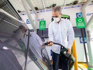 La primera fase de esta alianza se concreta en la instalación de siete estaciones de carga en oficinas, iniciando con la Torre Popular, en Santo Domingo.