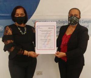 Zoraya Mendez y Martha Pichardo.