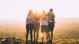 """'Predicar el amor y decir: """"amémonos unos a otros como nos amamos a nosotros mismos"""", supone una revolución. Es ser anticultura dominante y estar contra el odio imperante', Leonardo Boff."""