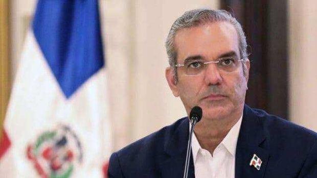 Presidente Abinader afirma perseguirán a quienes malversaron dinero público