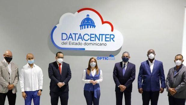 Los funcionarios estuvieron acompañados de Kanking Choi, director del Datacenter; Guevert Bocio, encargado de Operaciones e Infraestructuras del Datacenter; Tomas Kelly, director de Relaciones Interinstitucional de la OPTIC y Ronny Lebrón, director de Tecnología de PROSOSLI, entre otros.