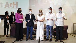 El evento fue inaugurado en las seguras instalaciones del hotel Catalonia Santo Domingo siendo un evento modelo en el país de bio seguridad post Covid -19.