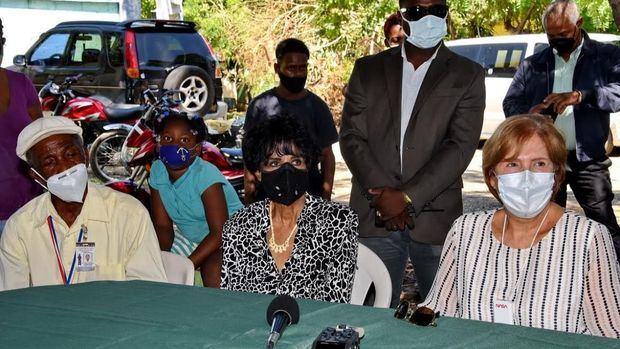 Ministra de Cultura visita espacio cultural de los Congos de Villa Mella