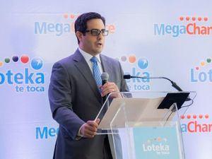 El anuncio lo hizo Carlos Montás, Director Ejecutivo del Grupo Loteka, quien ofreció detalles de cómo los jugadores podrán optar por los atractivos premios.