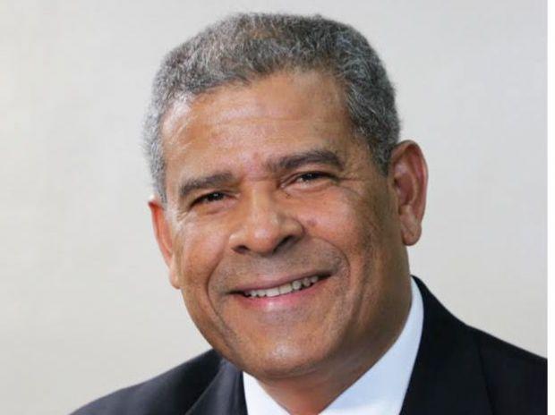 El ministro de Administración Pública, Darío Castillo Lugo.