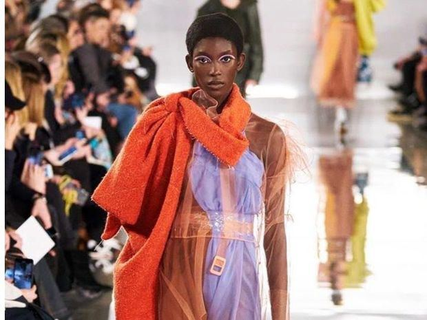 Laura Reyes: espectacular, exótica e internacional modelo dominicana