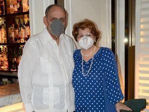 Ricardo García y Odette Perrotta de García.