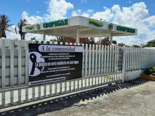 COOPEGAS anuncia con valla luctuosa no reabrirá bomba gas Licey al Medio