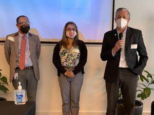 De izq. a derecha, Delio Rincón,  Nathalie Flores-González y Federico Grullón.