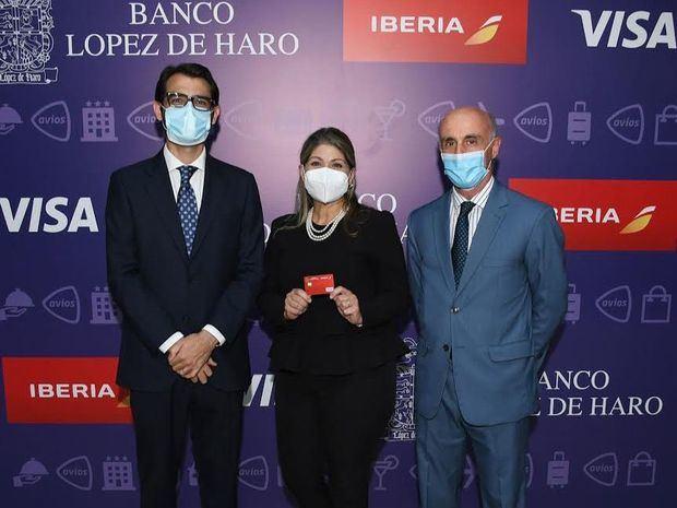Javier Rodríguez Zelnick, Ana Adela Vásquez y Alejandro Abellán García.
