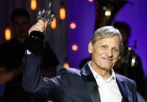 El actor estadounidense, Viggo Mortensen, agradece el Premio Donostia este jueves durate la 68 edición Festival Internacional de Cine de San Sebastián.