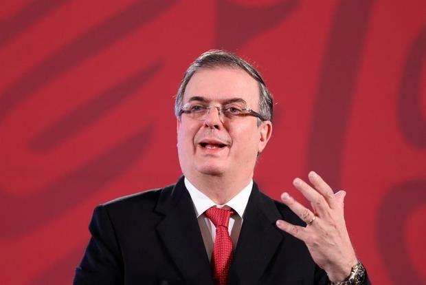 El secretario de Relaciones Exteriores, Marcelo Ebrard, ofrece una rueda de prensa en el Palacio Nacional, en Ciudad de México, México.